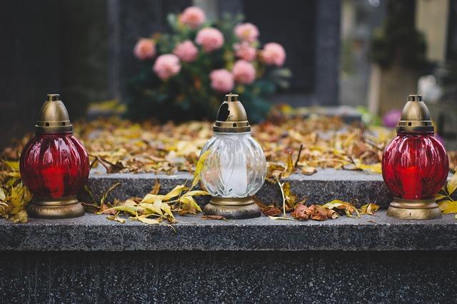 A téli nyitvatartás marad érvényben temetőinkben