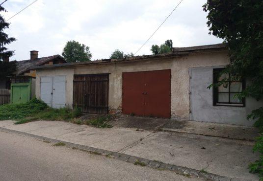 2800 Tatabánya, Deák út – bérbeadó garázs